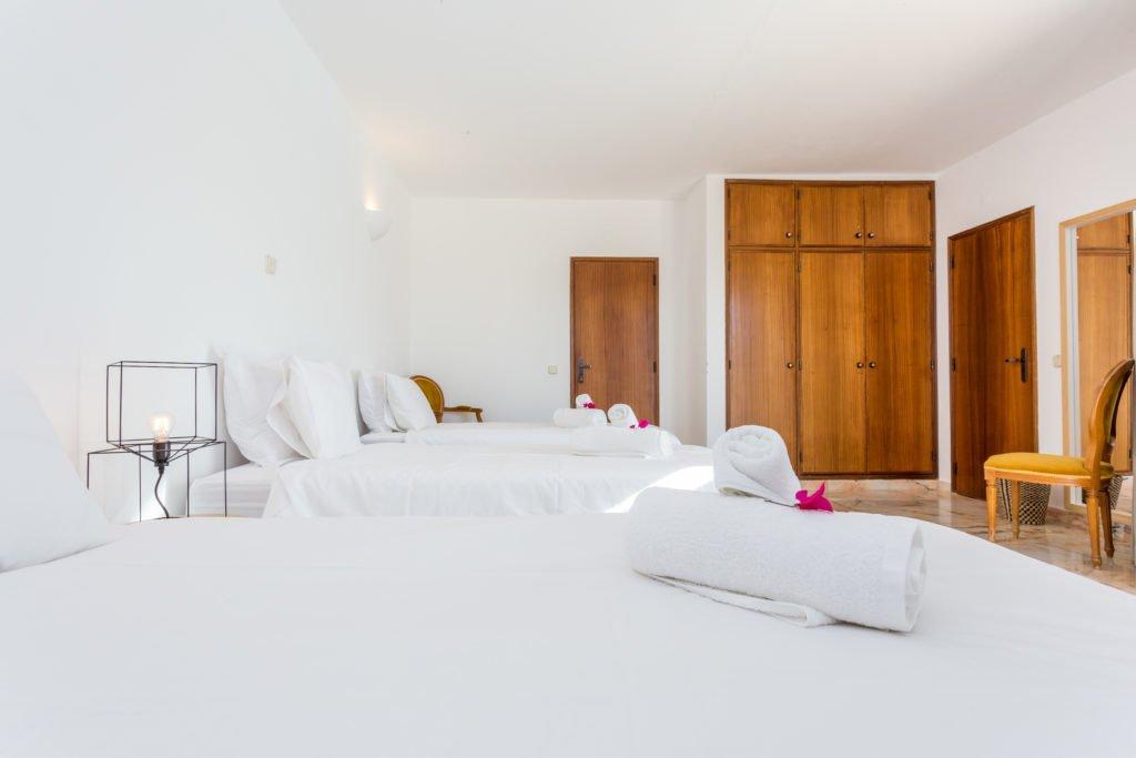 D2 Triple bedroom