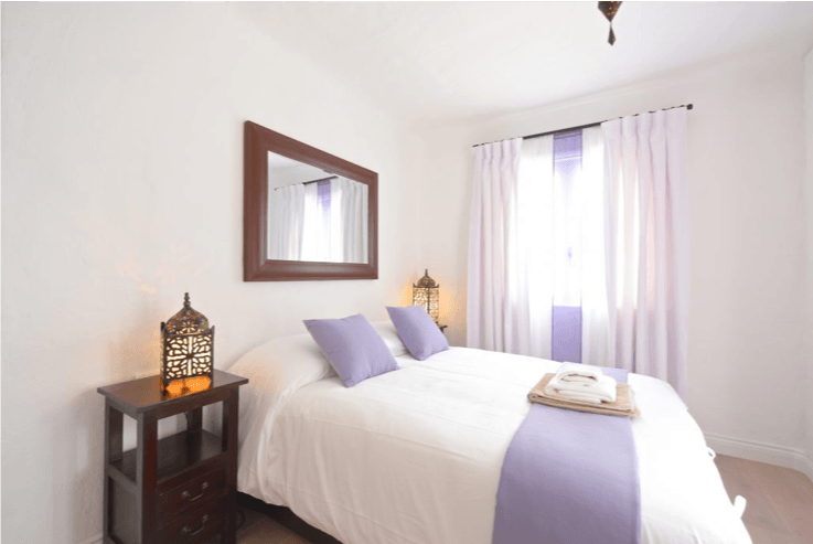 BALCONY ROOM – PRIVATE ROOM 1